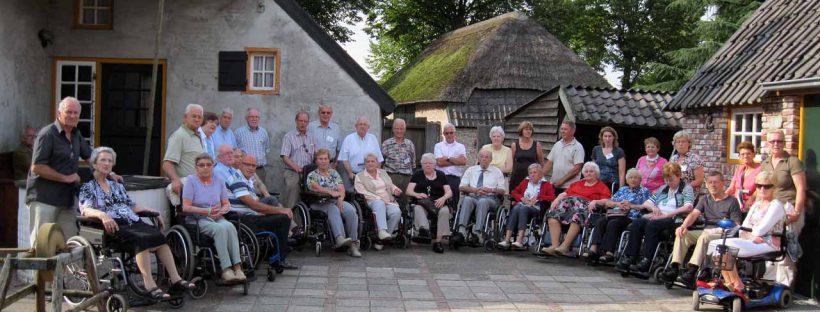 Groepsfoto dagtocht rolstoelgebruikers